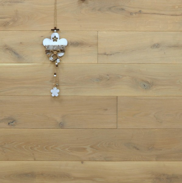 Eiche Schlossdielen aus massivem Holz, 21 x 180 / 200 mm von 2600 bis 5000 mm, Abmessungen nach Ihren Vorgaben, mit Rubio Monocoat in Rohholzoptik geölt, Kanten gefast, Nut / Feder Verbindung, Sonderanfertigung nach Kundenwunsch